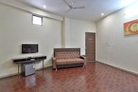 OYO 42262 Anant Gokuldham Suite