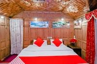 OYO 42383 Laila Majnoo Houseboats