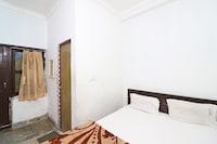 SPOT ON 42393 Maitri Residency SPOT