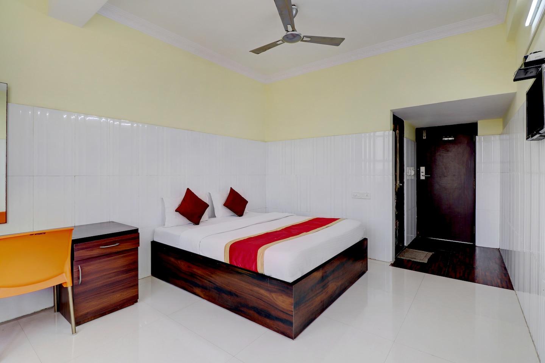 SPOT ON 42399 Sdp Spoorthi Comforts Inn -1