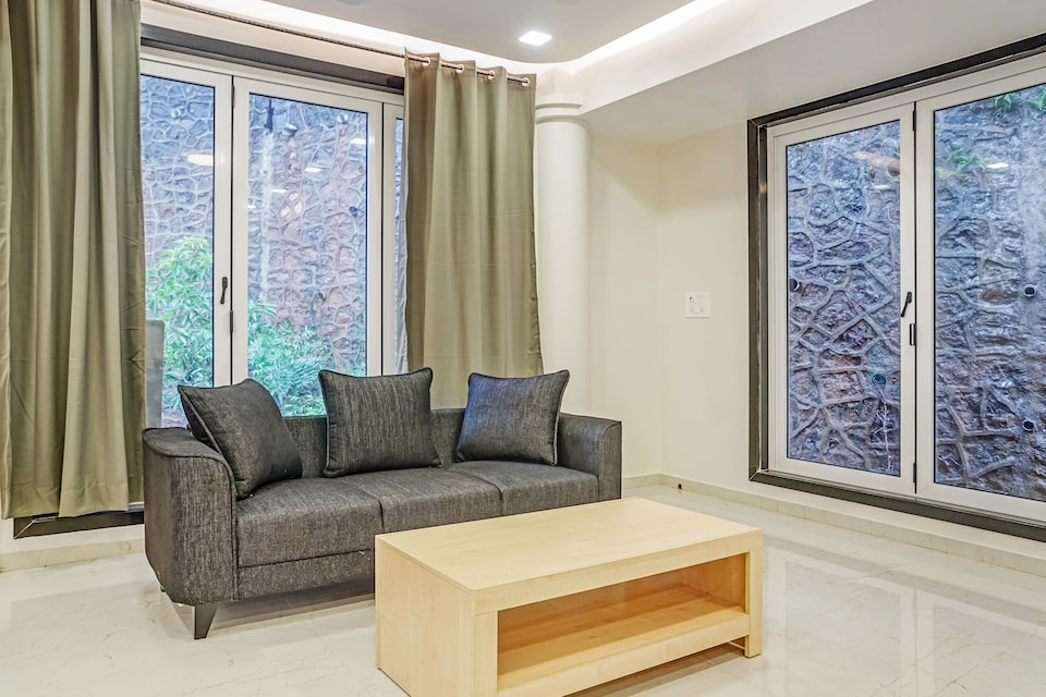 OYO Home Luxe 42516 Fabulous Stay Thane