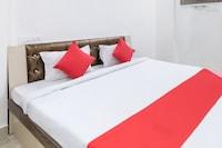 OYO 42646 Hotel Soni Palace