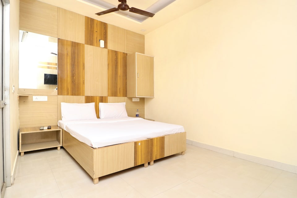 SPOT ON 42679 Hotel Oasis
