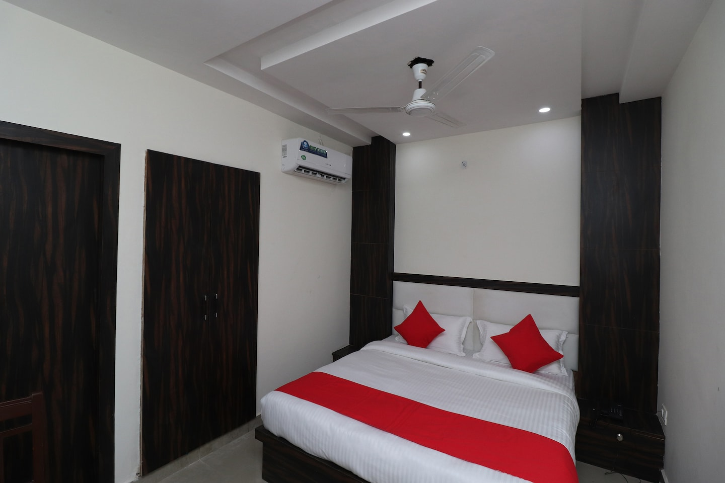 Enjoyable Oyo 42691 Rhythm Residency Agra Agra Hotel Reviews Photos Interior Design Ideas Clesiryabchikinfo