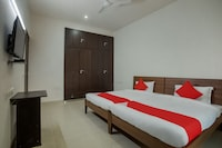 OYO 42725 Kailash Residency Deluxe