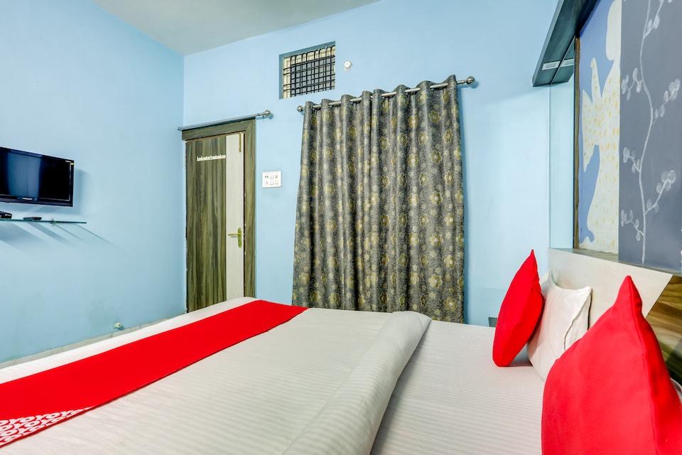 OYO 42742 Hotel Parthika Palace