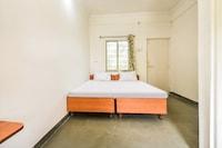 SPOT ON 42744 Hotel Gurukrupa
