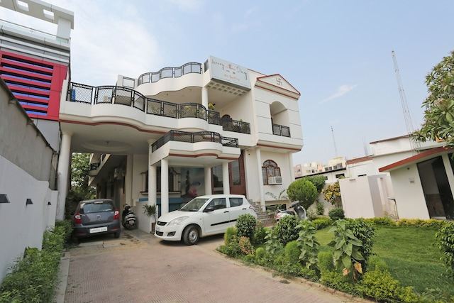 OYO 42772 Luxury Home Stay