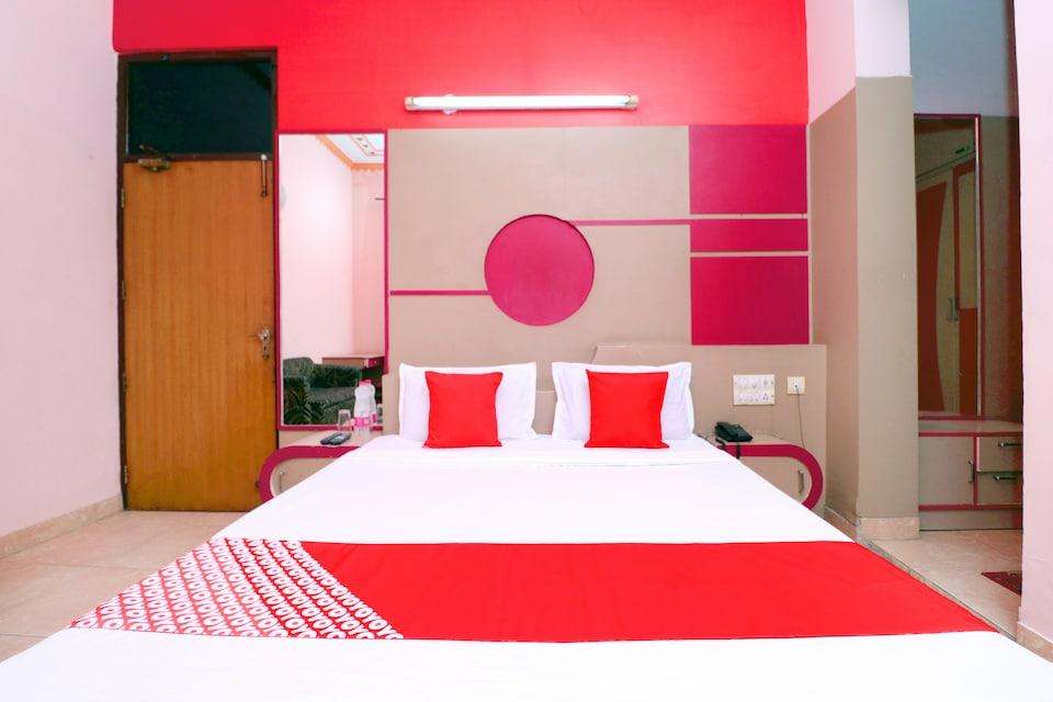 OYO 42787 Hotel Shahi Mahal