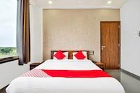 OYO 42980 Hotel Rahul Raj