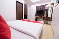 OYO 43003 Hotel Sai Plaza