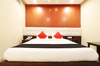 Capital O 43116 Hotel Grand Uddhav