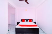 OYO 43041 Hotel Holiday Home Stay Deluxe