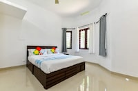 OYO Home 43042 Luxuriant Centre Home