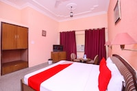 OYO 43052 Hotel Devicos Plaza