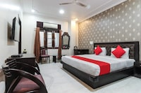 OYO 43119 Avadh Court Guest House