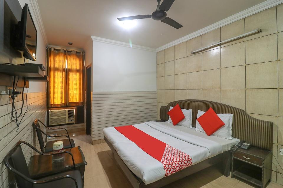 OYO 43150 Hotel Uttam Heritage