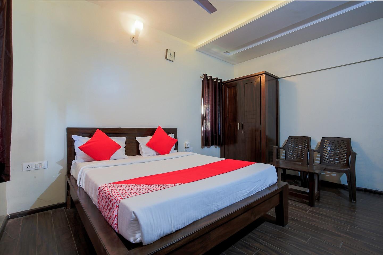 OYO 9518 Hotel Aqua Mira -1
