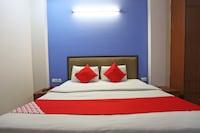 OYO 43270 Ishita Residency Deluxe