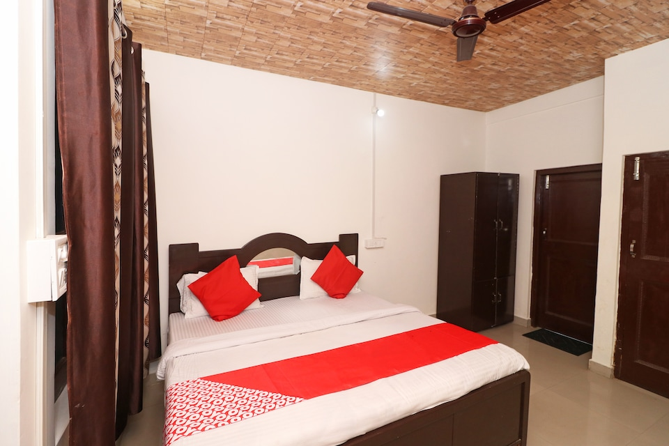 OYO 43281 Hotel Sach Pass