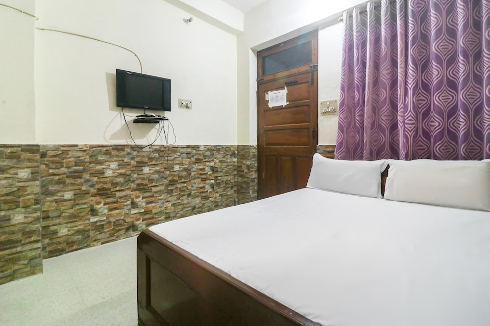 SPOT ON 43285 Hotel Anand Bhawan