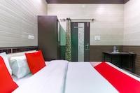 OYO 43318 Aayat Apartment
