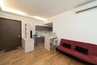 OYO Home 1209  Stylish Studio Regalia Suites