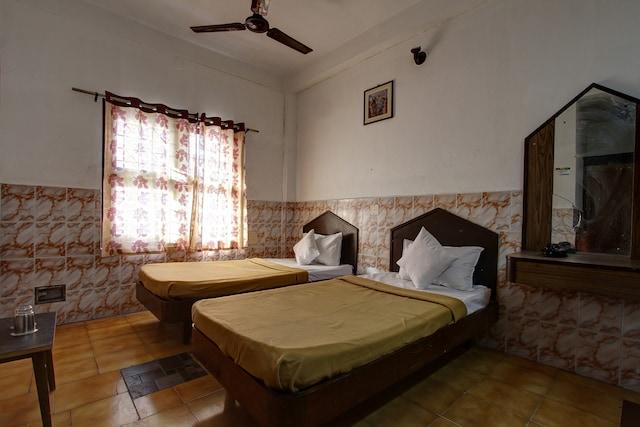 SPOT ON 43451 Hotel Sakunthala International SPOT