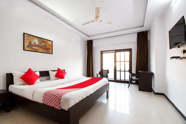OYO 43484 Hotel Real Residency