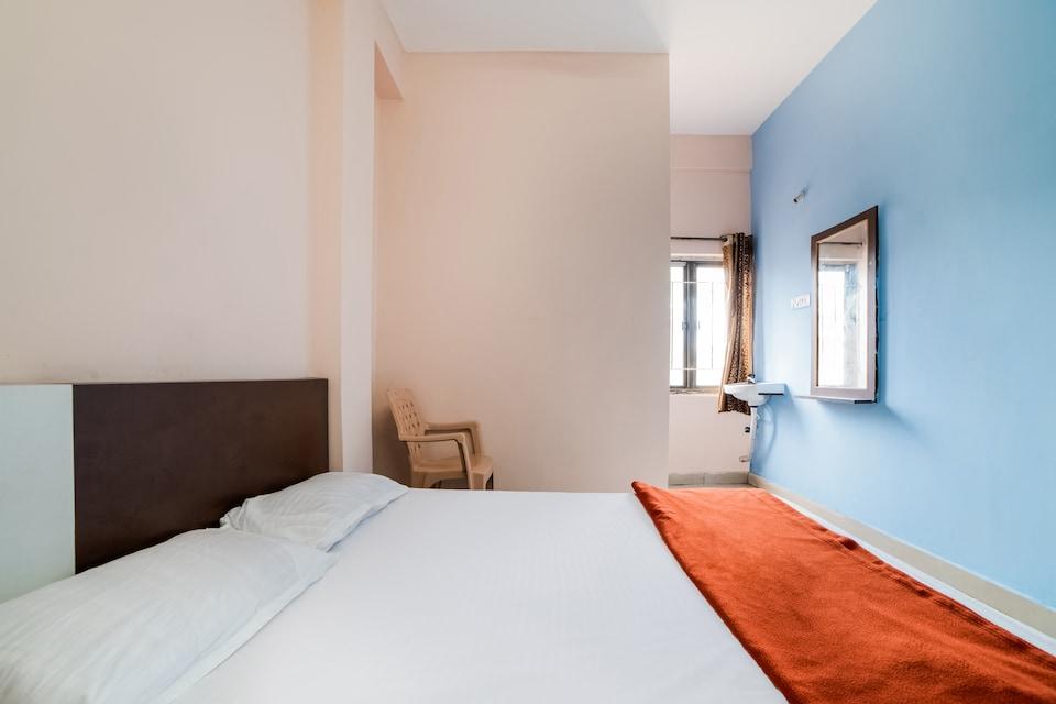 SPOT ON 43495 New Aditya Lodge