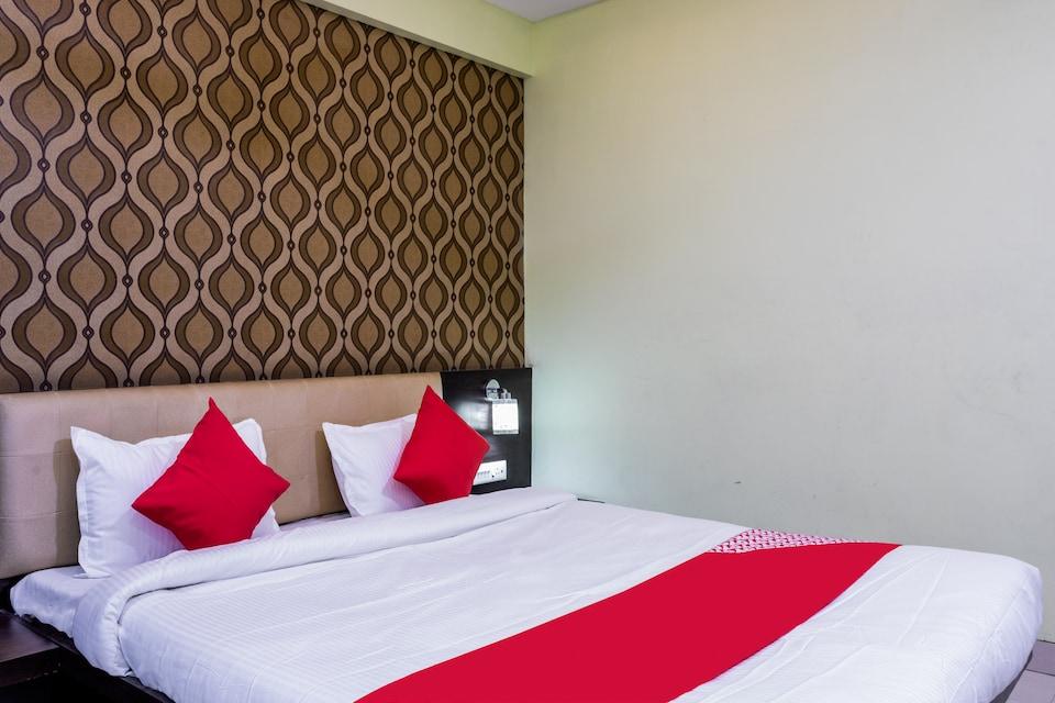 OYO 43611 Hr Resort