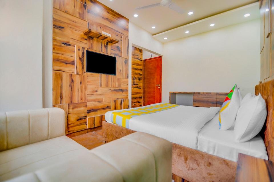 OYO Home 43629 Designer Stay