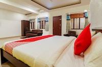OYO 43633 Hotel DMS