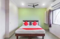 OYO 43652 Hotel Gokul Residency