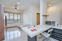 OYO Home 1212 Unbelievable Studio Ritze Perdana