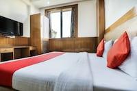 OYO 43670 Hotel Apra Deluxe Deluxe