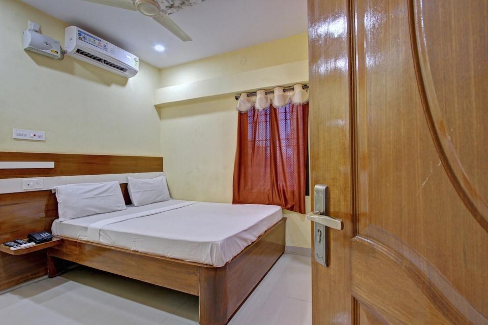 SPOT ON 43683 Sri Ranga Lodge