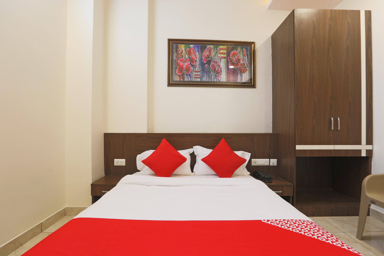 OYO 43684 Raghvan Residency