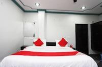 OYO 43694 Hotel Hillson Deluxe