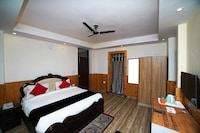 Capital O 43836 Nainital Homes And Resort Deluxe