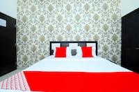 OYO 43846 Hotel R2d