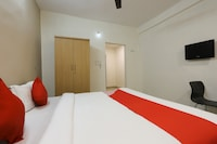 OYO 43851 Hotel Virasat