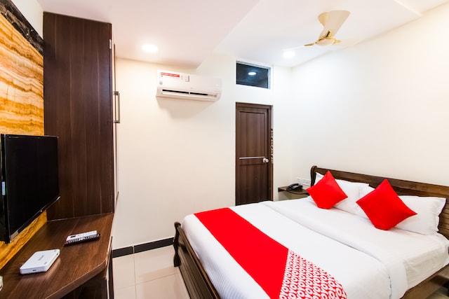 OYO 43852 Aditi Inn Saver