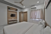 SPOTON 43858 Hotel Dev Dwarkadhish
