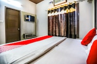 OYO 43866 Hotel Md