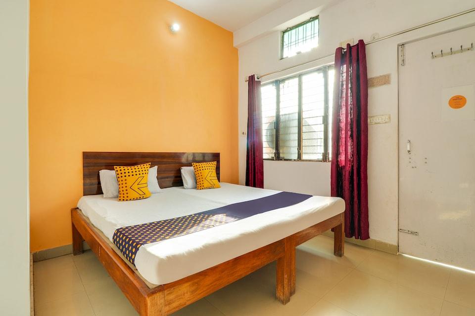 SPOT ON 43885 Hotel Laxmi Narayan