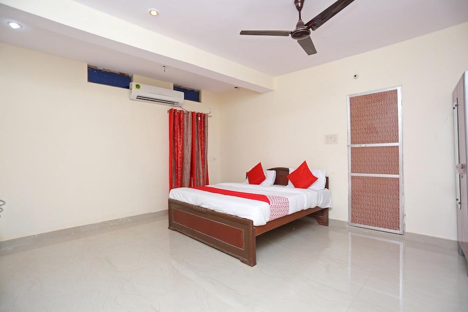 OYO 43901 Baba Guest House