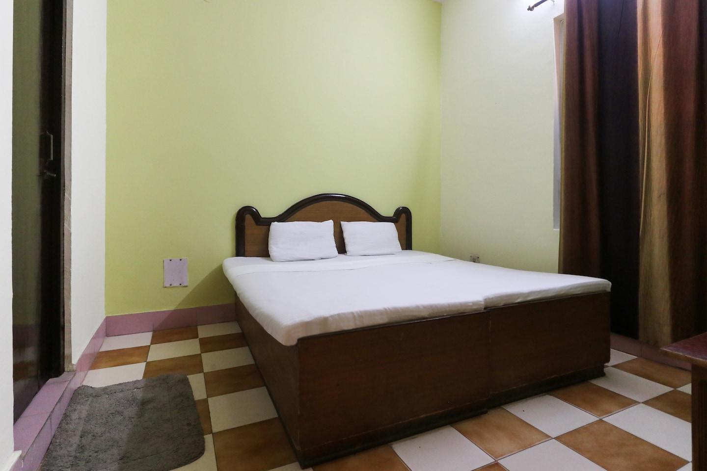 SPOT ON 43904 Yuvraj Palace -1