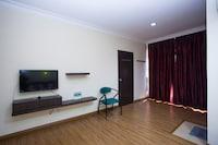 OYO 43915 T P Hotel