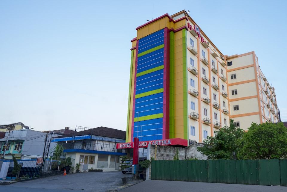 Capital O 1083 Hotel Grand Kartika